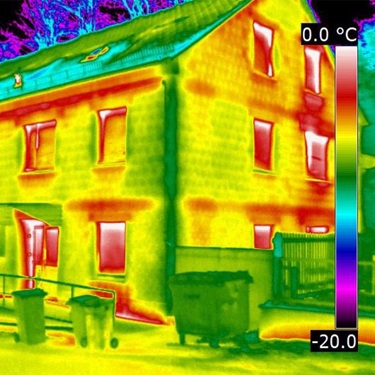 Infrarot-Thermografie Bild von einem Haus